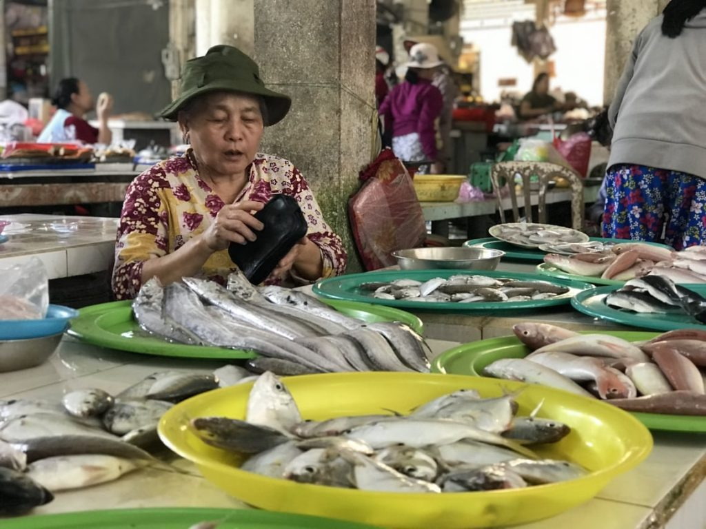 A look at the haggling at the markets in Vietnam