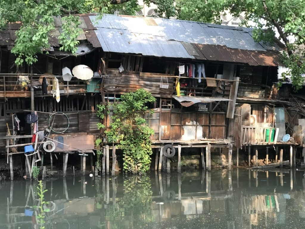 House in old Bangkok by the river
