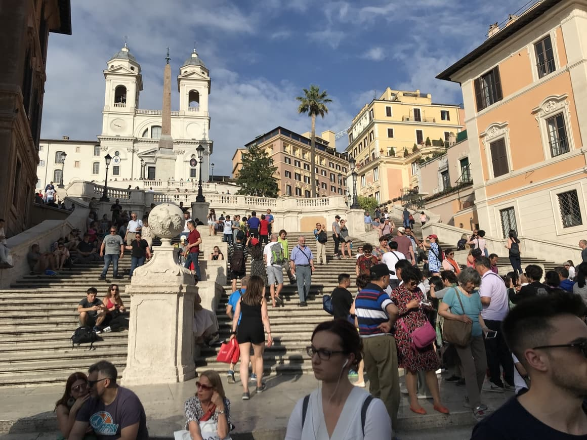 The Spanish Steps In Italy. A travel blog about iIaly tips