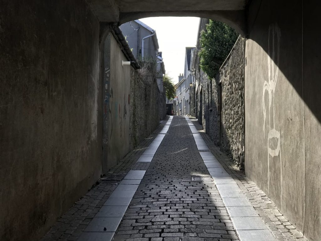 A narrow street in Kilkenny Ireland. Ireland travel tips for that first time vacation