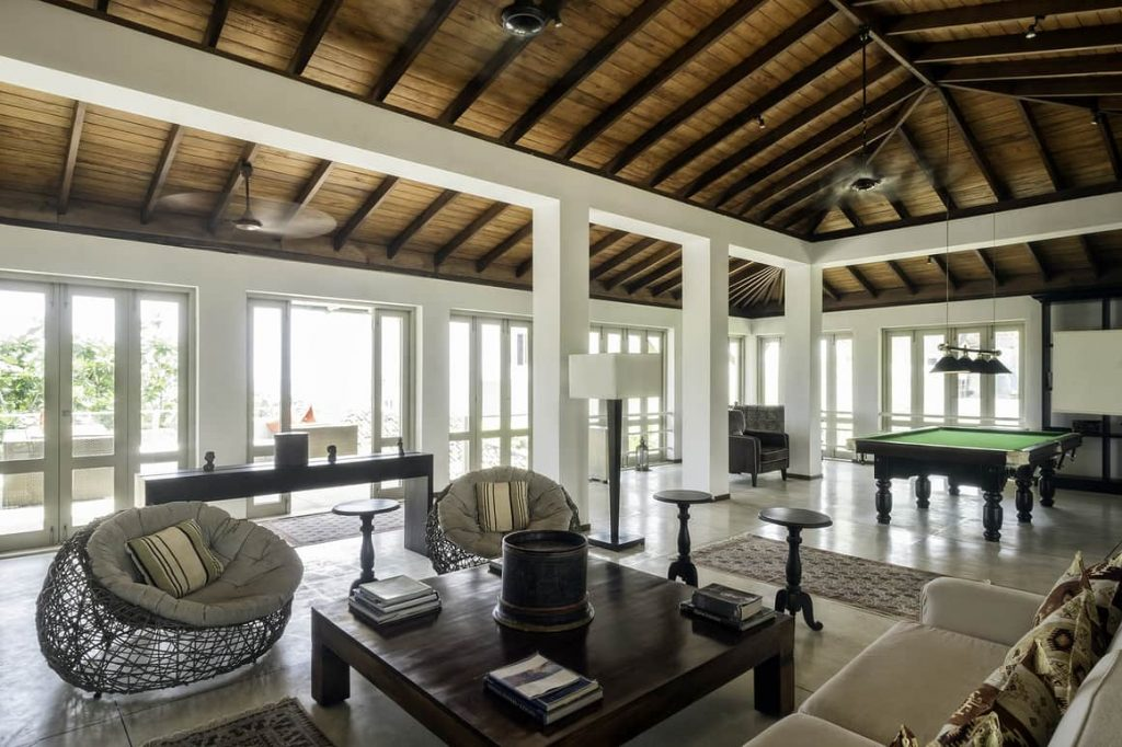 Billiards table and games room in Sri lanka villa