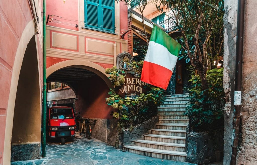 Planning a Trip To Italy  21 (Huge) Mistakes That Scream No